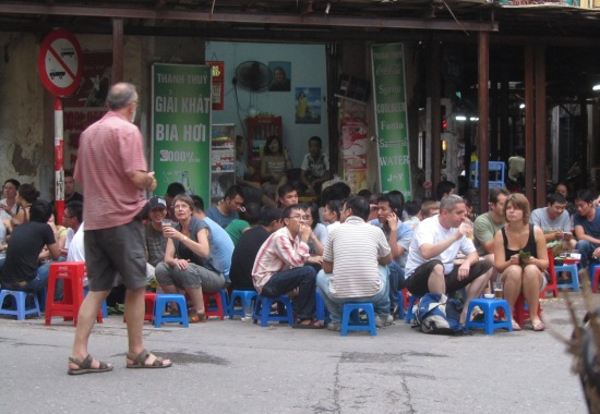 10 Best thingin Hanoias to do in South East Asia - Bai Hoi in Hanoi