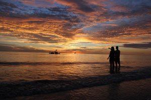hai hoa beach couples in vietnam
