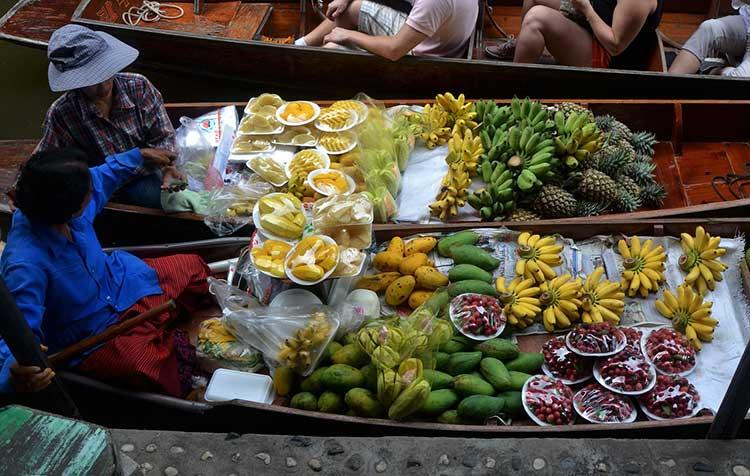 fruits market boat