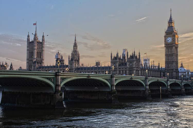 london water scene